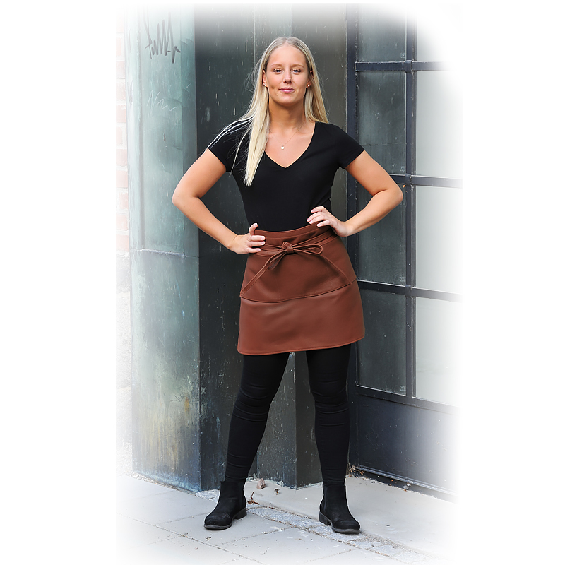 Serving Apron in leather Chestnut